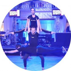keepmovin_muscle_acrobatic_show-380x380